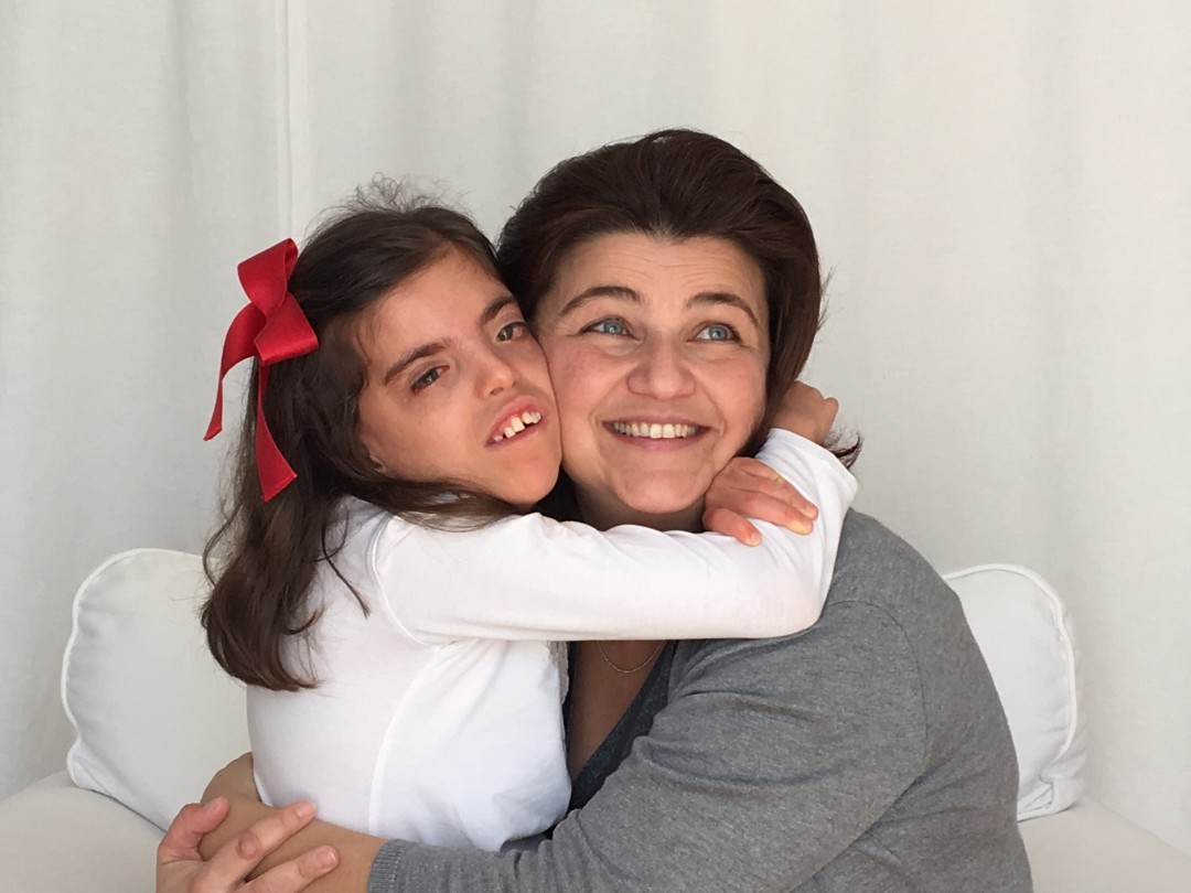 Maria e Teresa Aires Fotógrafa num abraço